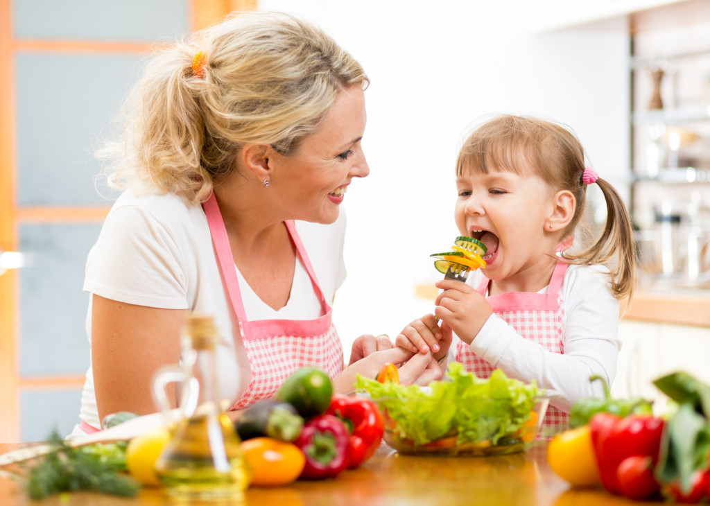 By establishing a healthy eating habit, your child will easily get back into the school routine | Tutor2You