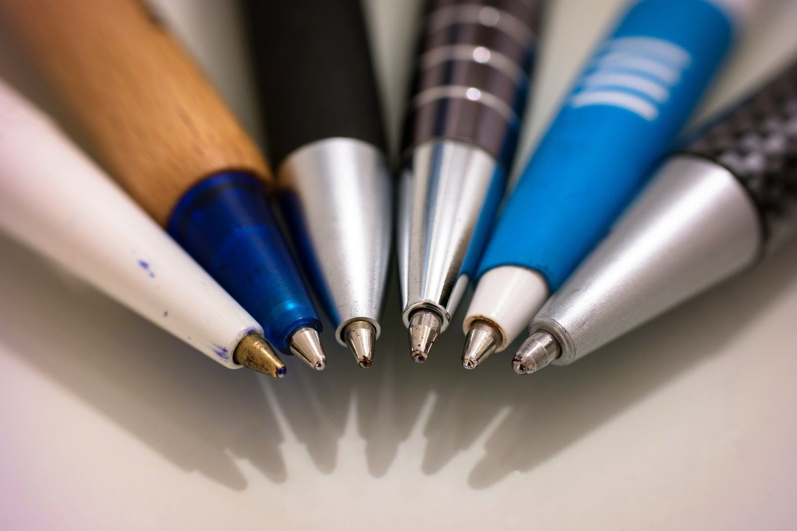 effective note taking tips - before class - prepare pens - tutor2you