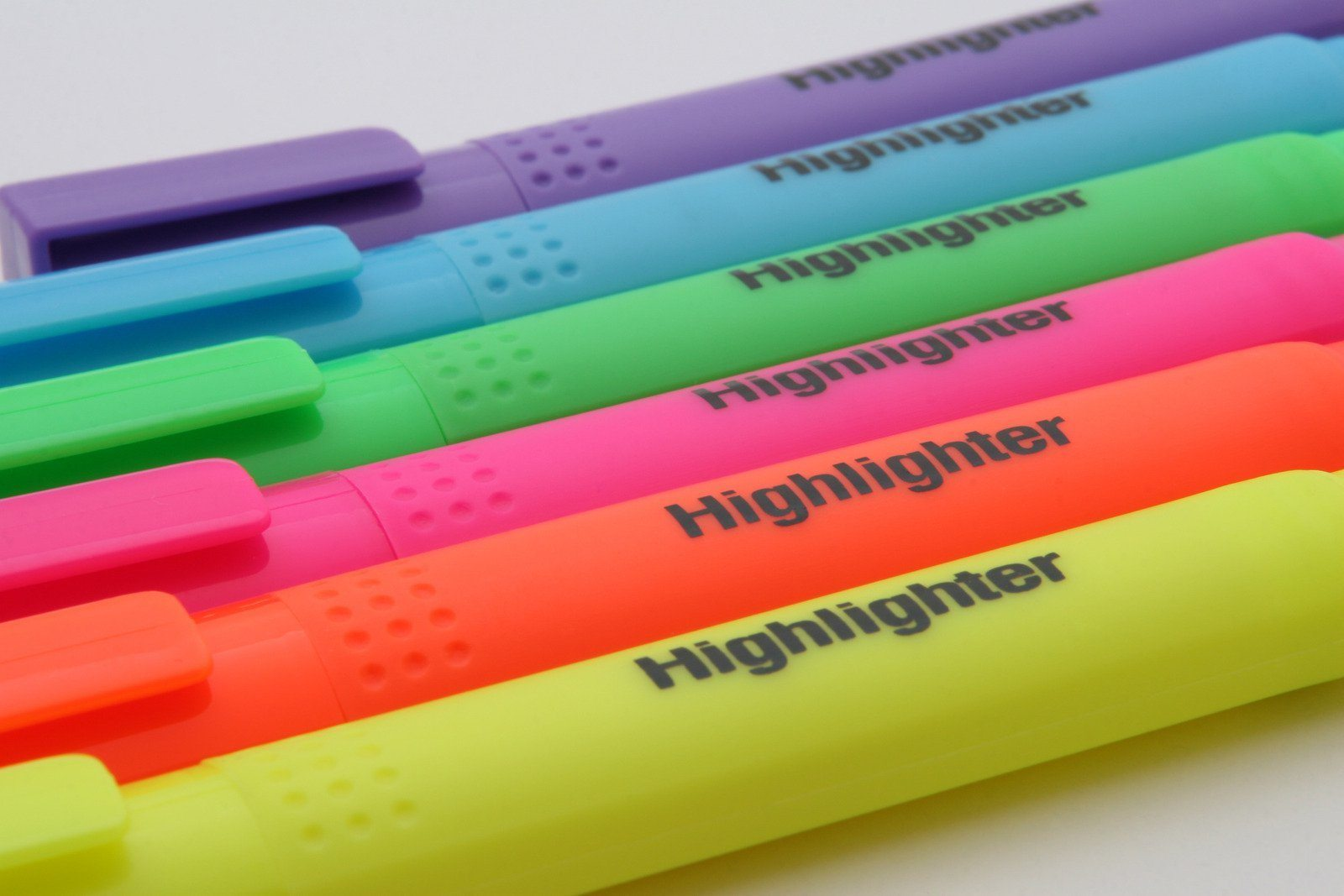effective note taking tips - before class - use of highlighters - tutor2you